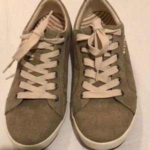 Taos Star Tan Linen Look Sneakers - Sz 9.5